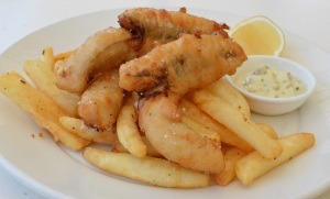 Beer battered flathead fillets w chilli chips & house made tartare sauce