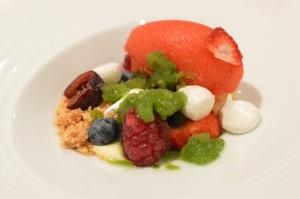 Atumn berries, fresh & dried w fennel, vanilla & sorrel