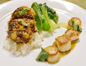 Crispy szechuan duck w seared scallops, asian greens, steamed rice, mild chilli mandarin caramel w star anise jus - Copy