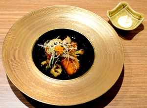 Salmon teriyaki (salmon, vegetables, shimeji & salmon roe)